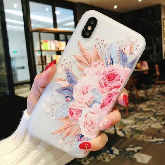 NEW iPhone 7+/8+ Floral Case